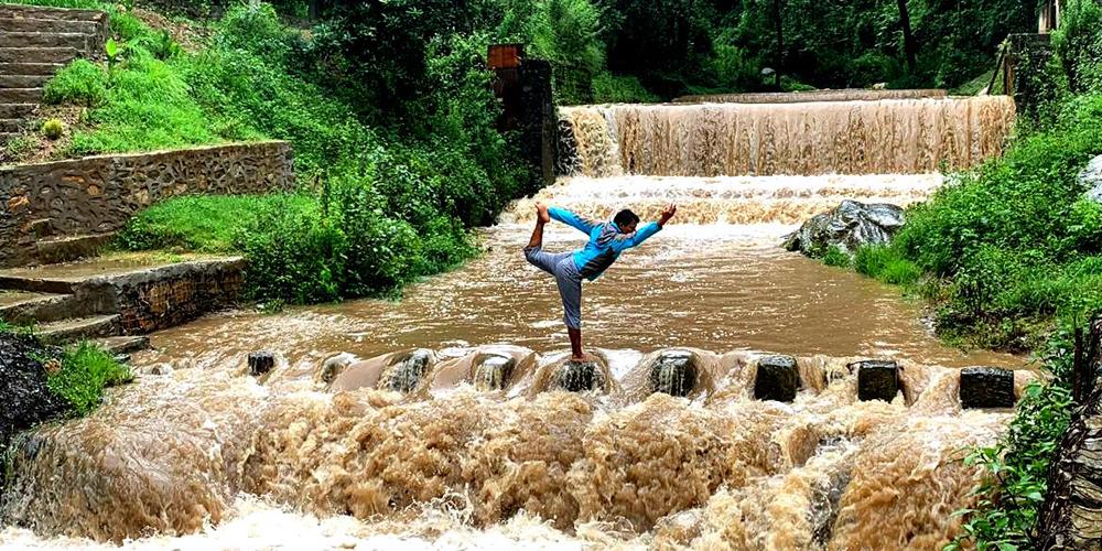 yoga-patshala-ytt-school-nepal-yogi-rajan